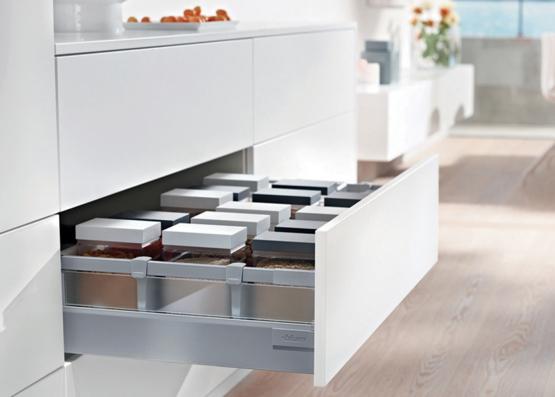Blum TANDEMBOX C Height with Glass design element