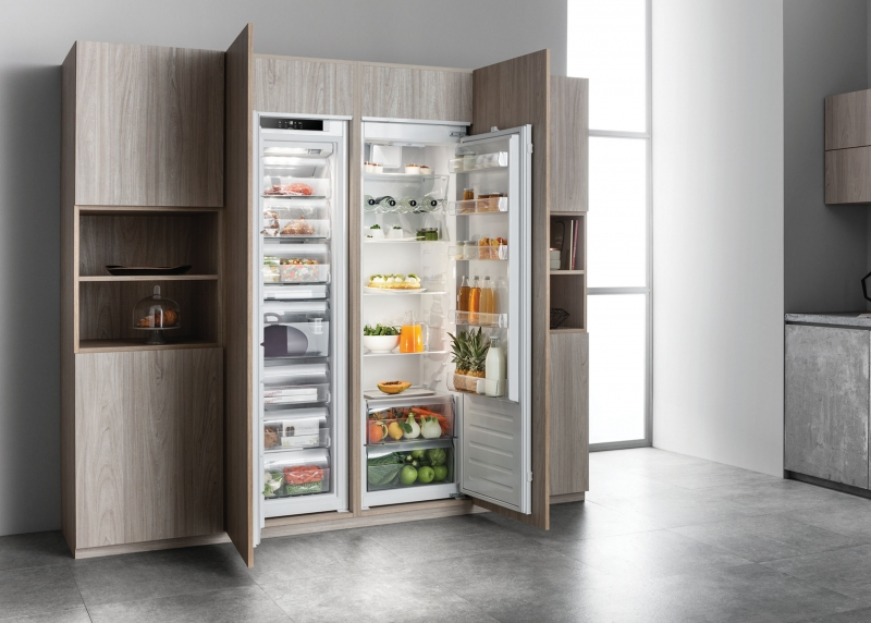 Hotpoint Integrated Larder Fridge & Freezer